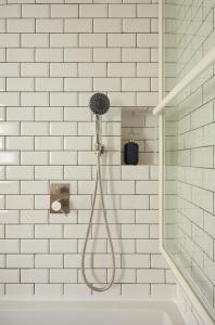 Sapho MINIMAL podomítková sprchová baterie, 2 výstupy, nerez MI042