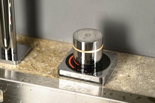 Sapho LAIKA elektronická dřezová baterie, chrom LM014